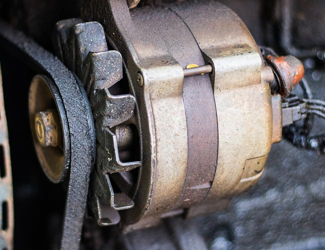 Alternator belt in need of replacement at AZ mechanic shop
